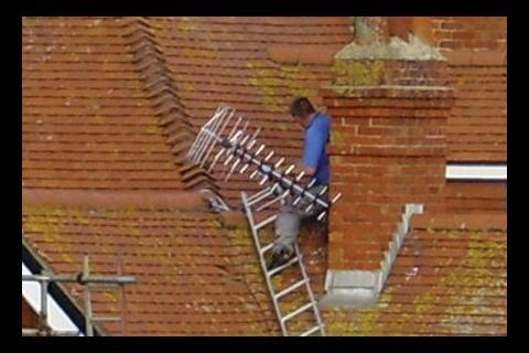 Worker unsecured on roof
